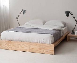 Кровать из массива КМ 302