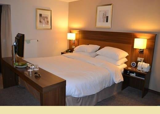 Кровать из массива КМ-208