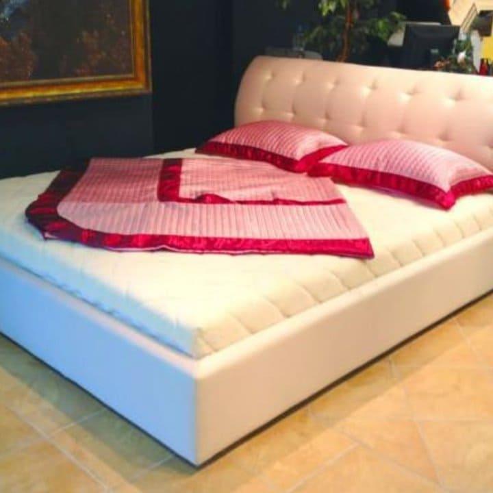 Кровать из текстиля и кожи КМ-11