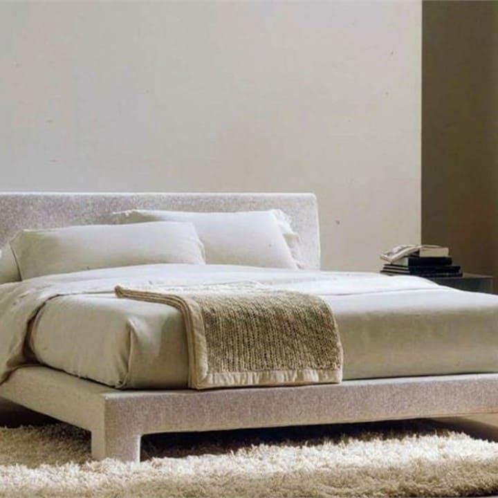 Кровать из текстиля и кожи КМ-17