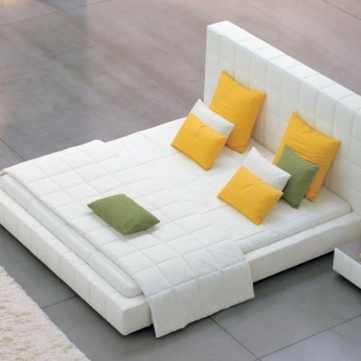 Кровать из текстиля и кожи КМ-18