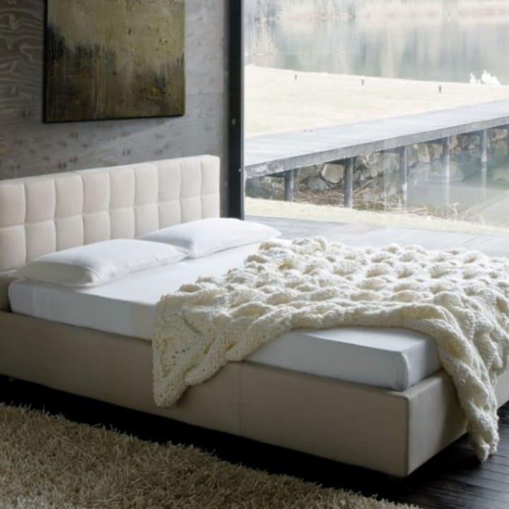 Кровать из экокожи КН-80