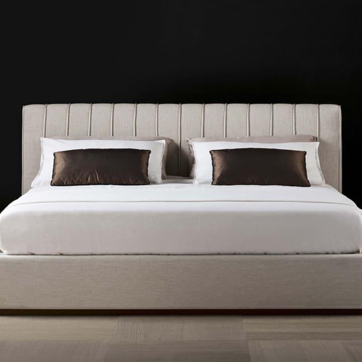 Кровать из текстиля и кожи КМ-38