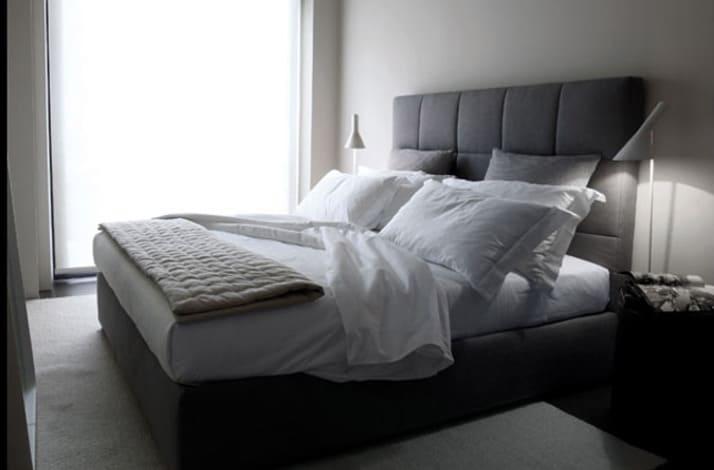 Кровать из текстиля и кожи КМ-41