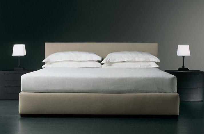 Кровать из текстиля и кожи КМ-20