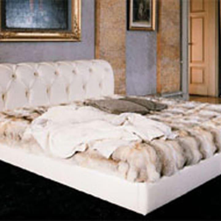Кровать из текстиля и кожи КМ-29