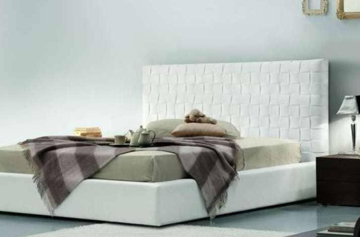 Кровать из текстиля и кожи КМ-33