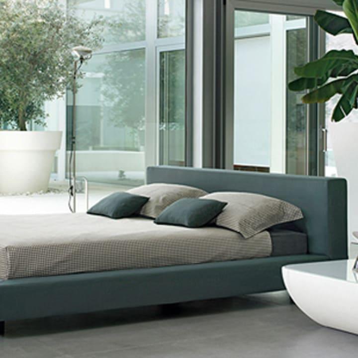 Кровать из текстиля и кожи КМ-46