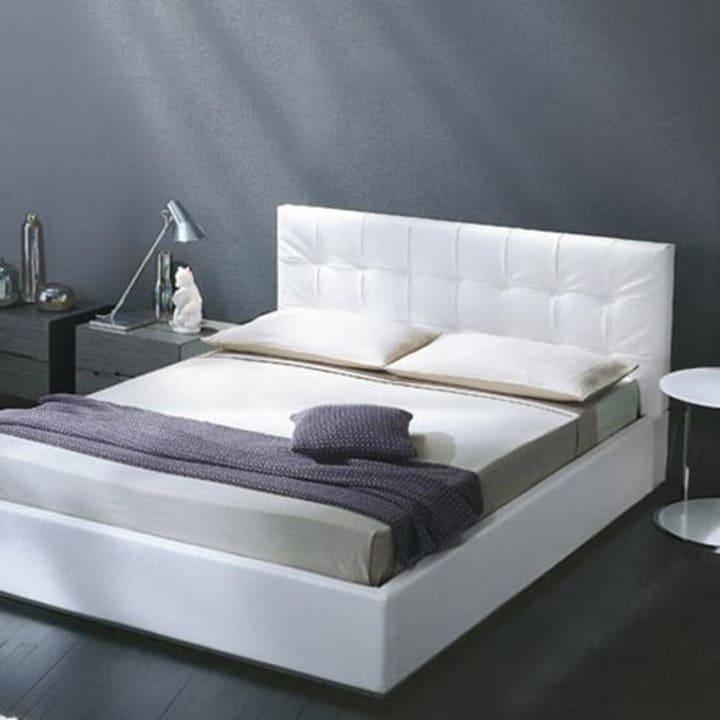 Кровать из текстиля и кожи КМ-50